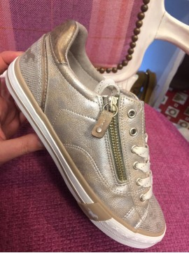 MUSTANG LADIES GOLD TRAINER